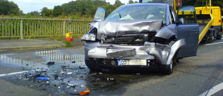 Schwerer Verkehrsunfall nach Sekundenschlaf