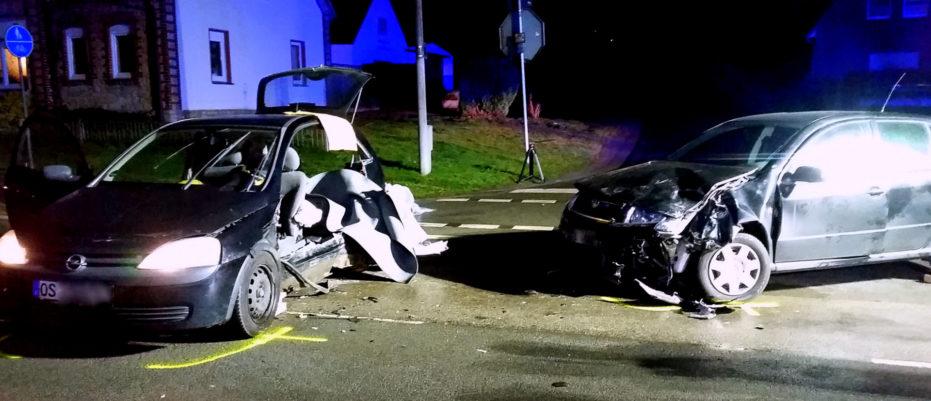 Eingeklemmte Person nach Verkehrsunfall auf der L109